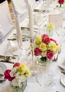 Blumenschmuck für Ihre Hochzeitstafel